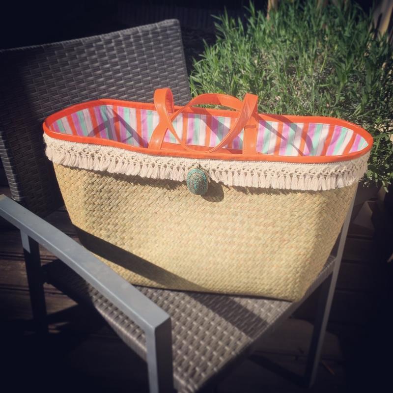 panier de plage orange paille de raphia. Black Bedroom Furniture Sets. Home Design Ideas