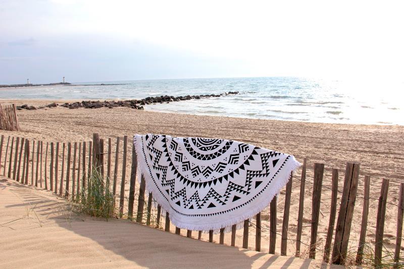 serviette de plage ronde mandala tendances du monde. Black Bedroom Furniture Sets. Home Design Ideas