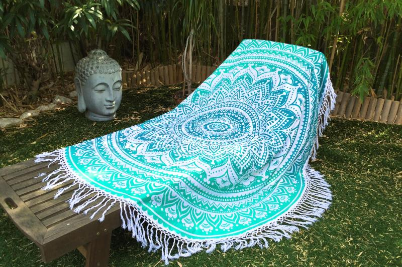 drap de plage rond mandala vert tendances du monde. Black Bedroom Furniture Sets. Home Design Ideas