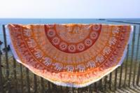 Drap de plage rond ethnique orange